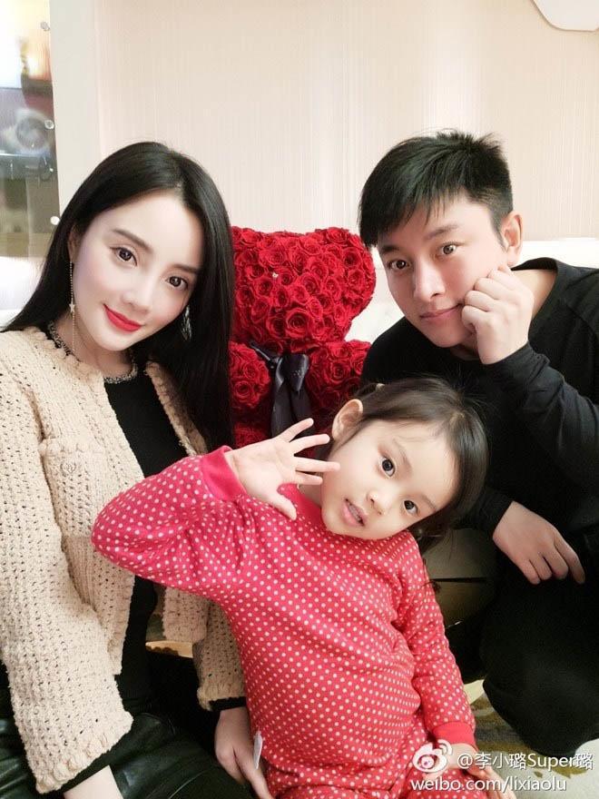 Con gái Lý Tiểu Lộ không biết bố mẹ ly hôn suốt 2 năm qua-5