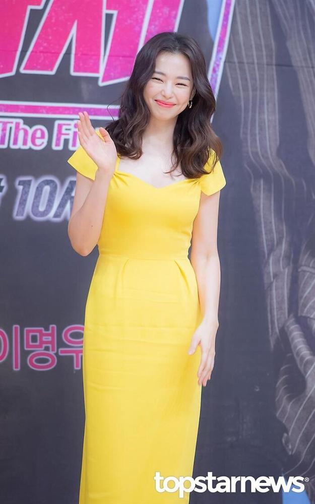 Chia tay sau 7 năm hẹn hò: Yoon Kye Sang không kết hôn, Honey Lee sẽ cưới doanh nhân?-7