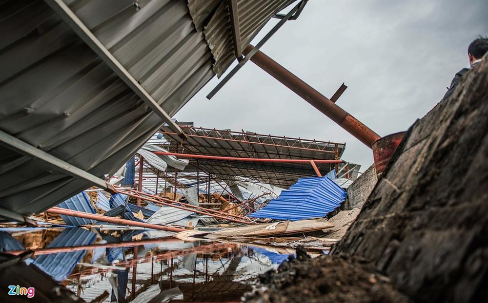 Hiện trường xưởng gỗ bị lốc cuốn khiến 3 người chết, 18 bị thương-2