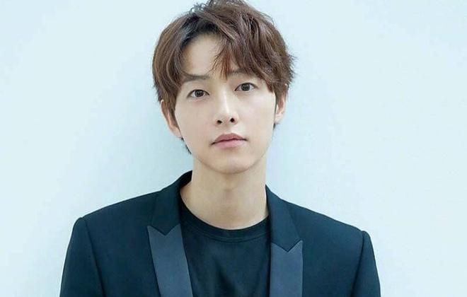 Lộ danh tính tình mới Song Joong Ki sau khi ly hôn Song Hye Kyo?-1