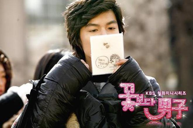 Lee Min Ho 'nghiện' soi gương như thế nào?-2