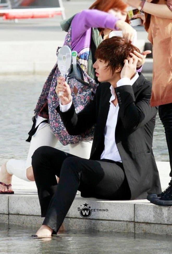 Lee Min Ho 'nghiện' soi gương như thế nào?-4