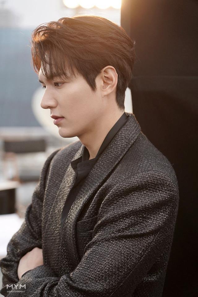 Lee Min Ho bị đào mộ loạt ảnh thời còn phèn: Mặt rỗ, gầy gò, style như Khá Bảnh-9