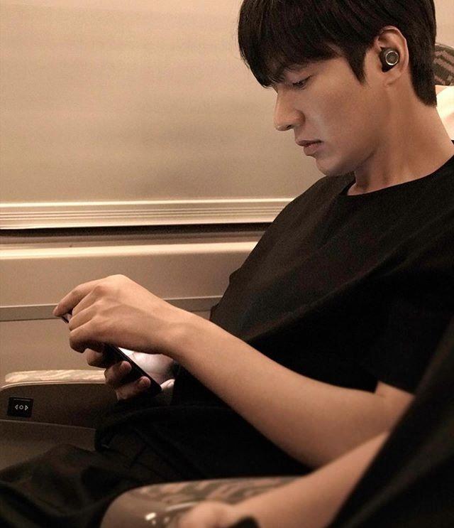 Lee Min Ho bị đào mộ loạt ảnh thời còn phèn: Mặt rỗ, gầy gò, style như Khá Bảnh-10