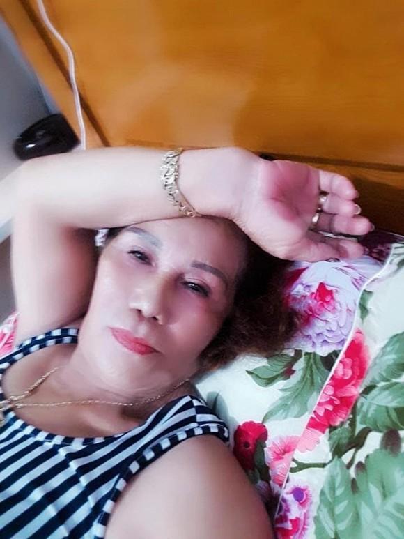 Kiệt sức vì áp lực dư luận, vợ chồng cô dâu Việt 65 tuổi cùng nhập viện-2