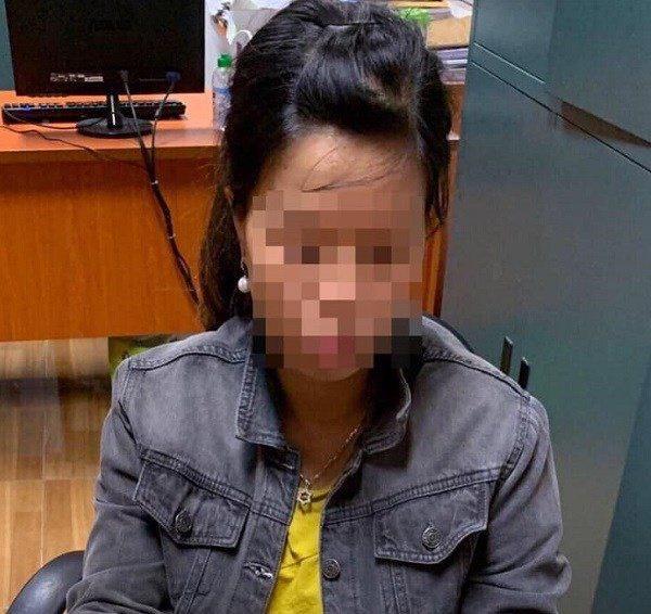 Vụ bé bị bỏ rơi dưới hố ga: Sự thật tin đồn gia đình người mẹ có điều kiện-2
