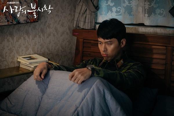 Cách Hyun Bin ứng xử với chuyện yêu Song Hye Kyo và Son Ye Jin-7