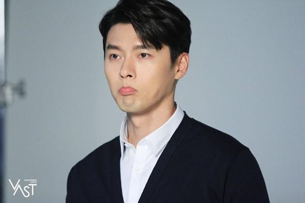 Cách Hyun Bin ứng xử với chuyện yêu Song Hye Kyo và Son Ye Jin-8