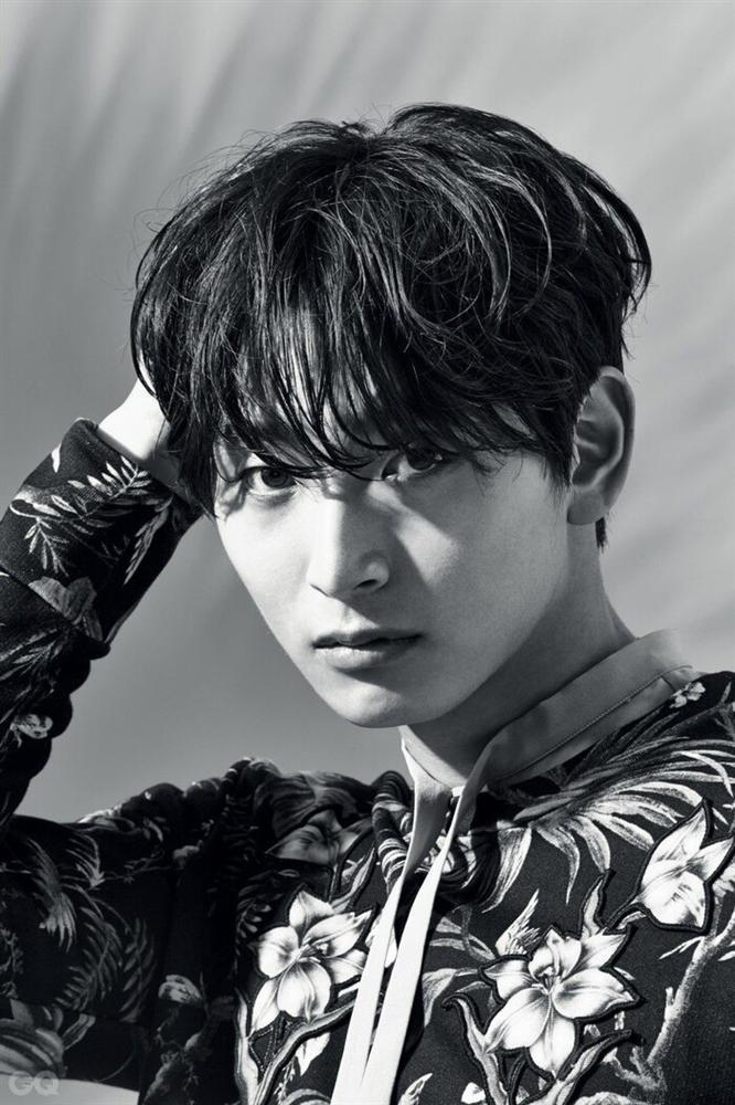 10 nam ca sĩ Kpop xuất thân từ gia đình giàu có: Làm idol vì đam mê đây rồi!-4