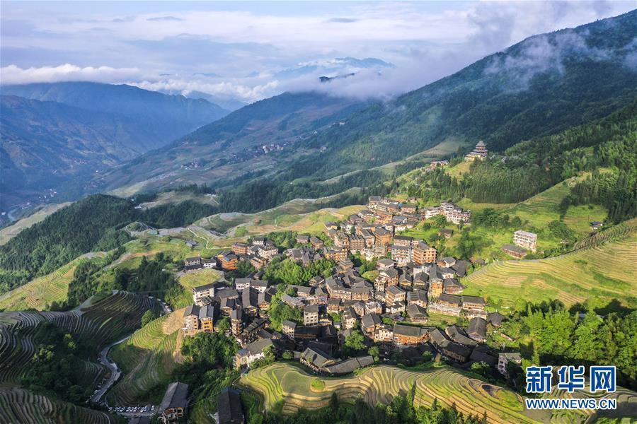 Mê đắm trước vẻ đẹp của những thửa ruộng bậc thang mùa hè tại miền sơn cước Trung Hoa-8