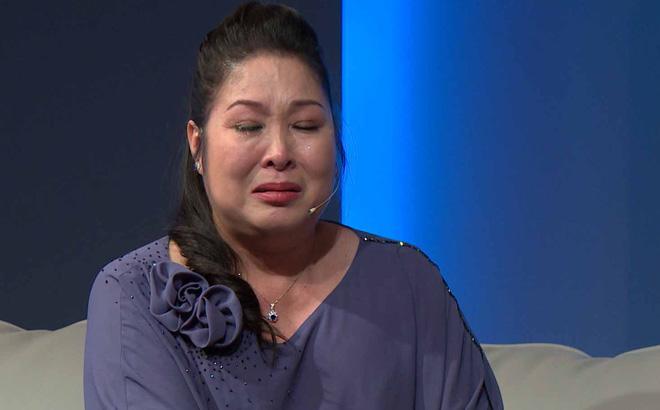 Sao Việt phẫn nộ với clip sư cô trụ trì tát liên tiếp vào mặt phật tử vì yêu thương, răn dạy-2
