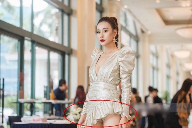 Phương Oanh Quỳnh Búp Bê gây tranh cãi vì mặc đầm quá ngắn lộ cả nội y-2