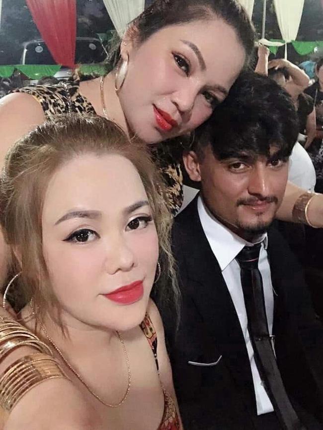 Cô dâu Việt 65 tuổi ở Đồng Nai khoe ảnh con gái thân thiết với cha dượng 28 tuổi-2