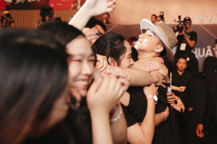 Sơn Tùng M-TP mong muốn mang Sky Tour đến Indonesia, lý do đằng sau lại ngọt ngào thế này-3