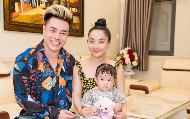 Vợ Lê Dương Bảo Lâm: Hotgirl xinh đẹp tình nguyện làm người đàn ông cho chồng-4