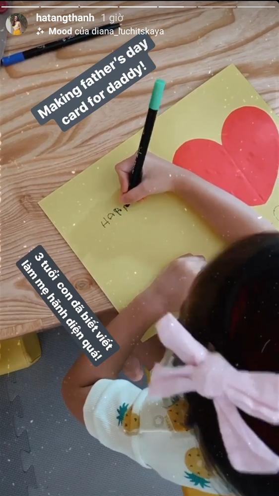 Tăng Thanh Hà hãnh diện khi con gái 3 tuổi đã đọc thông viết thạo tiếng Anh-1