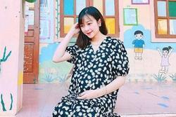 Vợ Phan Văn Đức táo bạo khoe vòng 2 trắng nõn, bụng bầu có điểm đẹp đúng 'trời ban'
