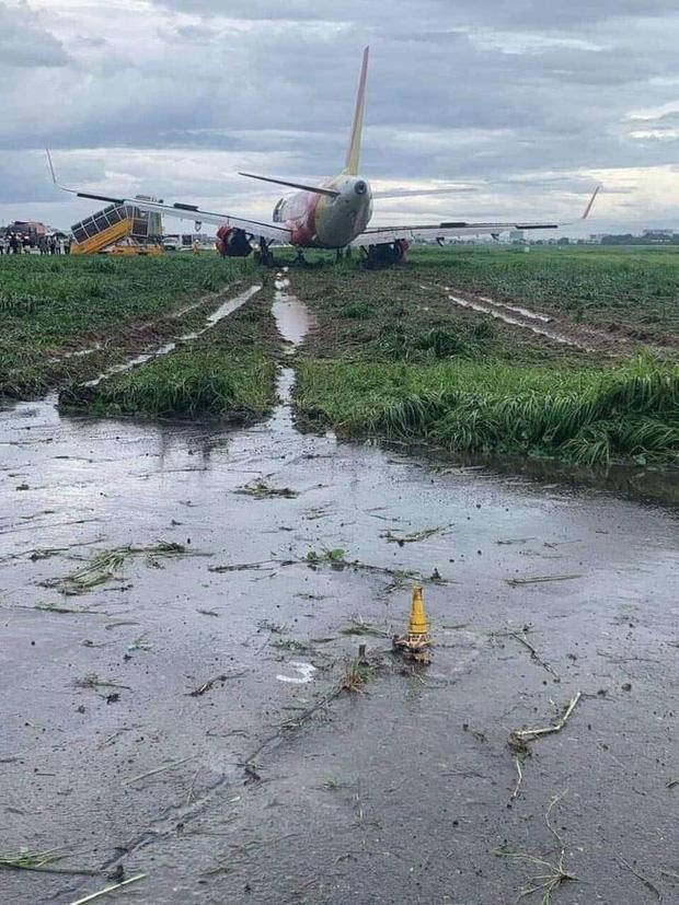 Điều tra sự cố máy bay trượt khỏi đường băng ở Tân Sơn Nhất-1