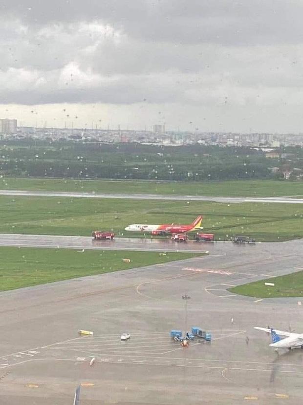 Điều tra sự cố máy bay trượt khỏi đường băng ở Tân Sơn Nhất-2