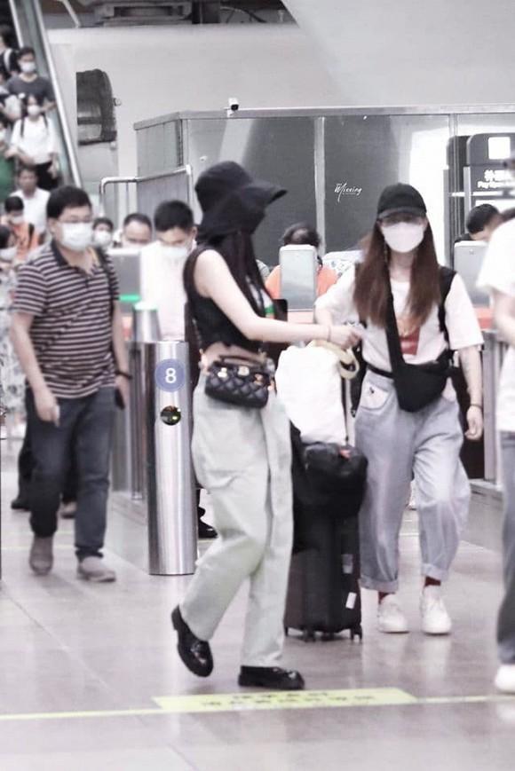Chán mặc đồ người lớn, Dương Mịch quay sang dùng các thiết kế cho trẻ em-2