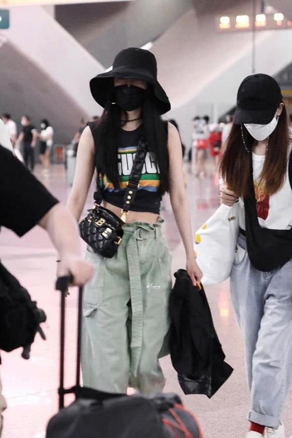 Chán mặc đồ người lớn, Dương Mịch quay sang dùng các thiết kế cho trẻ em-3