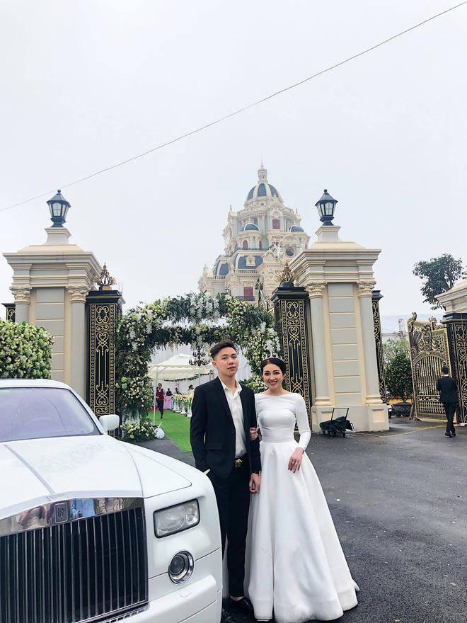 Dân mạng xuýt xoa nhan sắc nữ chủ nhân tòa lâu đài 7 tầng to vật vã ở Nam Định-2