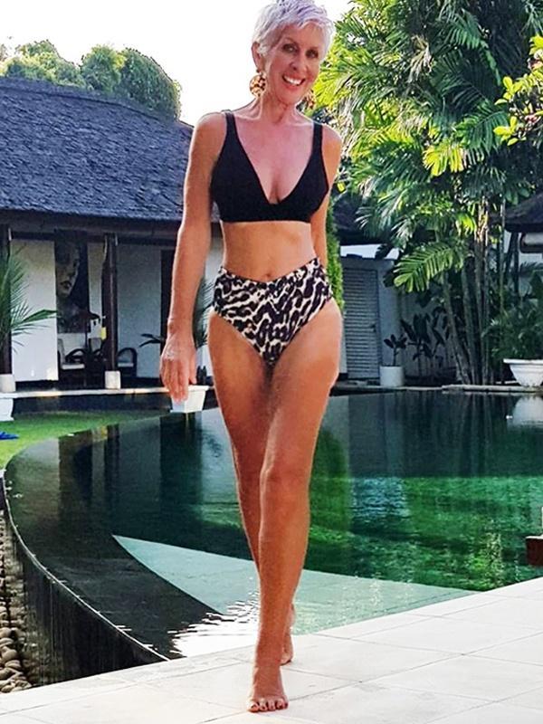 Nữ người mẫu vẫn giữ được vóc dáng thon gọn ở tuổi 62-1