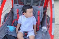 Mất tích trên mạng xã hội nhưng Phạm Hương vẫn đăng ảnh con trai đều đặn