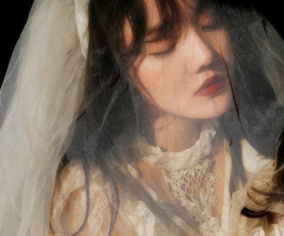 Ngay trong đêm tân hôn, chồng đóng sập cửa buộc tôi phải ngủ ngoài phòng khách-1