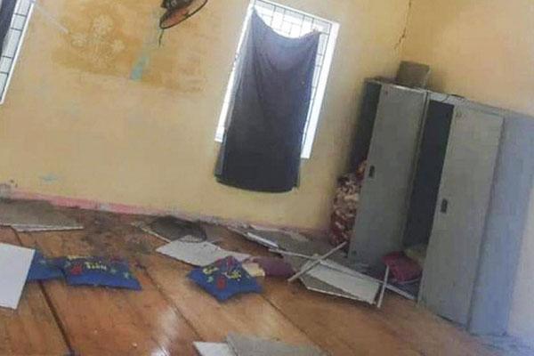 Động đất ở Lai Châu: Nhiều nhà dân hư hỏng, 4 trẻ bị thương do sập trần thạch cao trường học-1