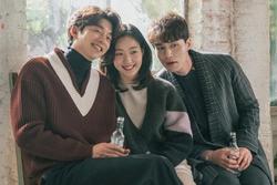 Kim Go Eun tiết lộ sự thật mối quan hệ đằng sau tin đồn 'giả vờ thân thiết' với Gong Yoo và Lee Dong Wook