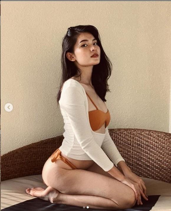 Á hậu Thùy Dung mặc bikini chụp ảnh trong nhà, nhờ dân mạng photoshop ở bãi biển vì lý do tế nhị-9
