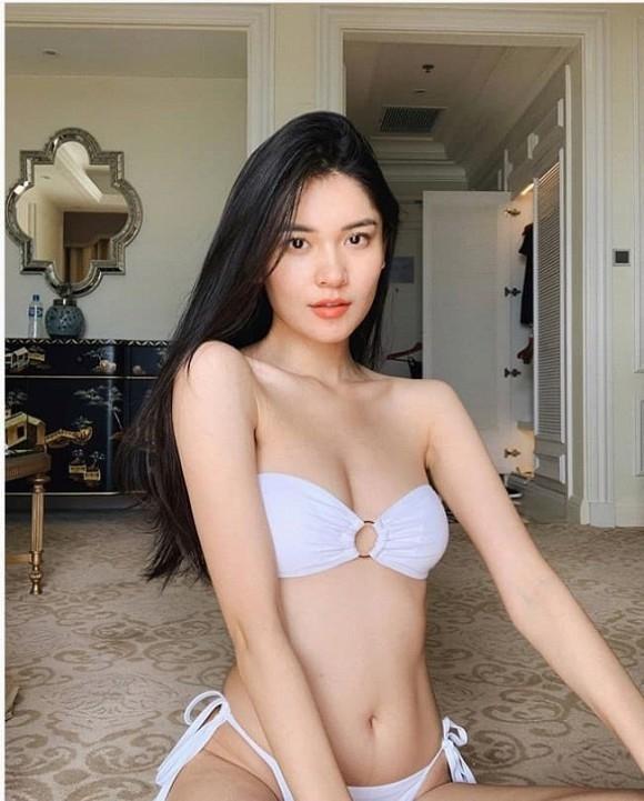 Á hậu Thùy Dung mặc bikini chụp ảnh trong nhà, nhờ dân mạng photoshop ở bãi biển vì lý do tế nhị-1