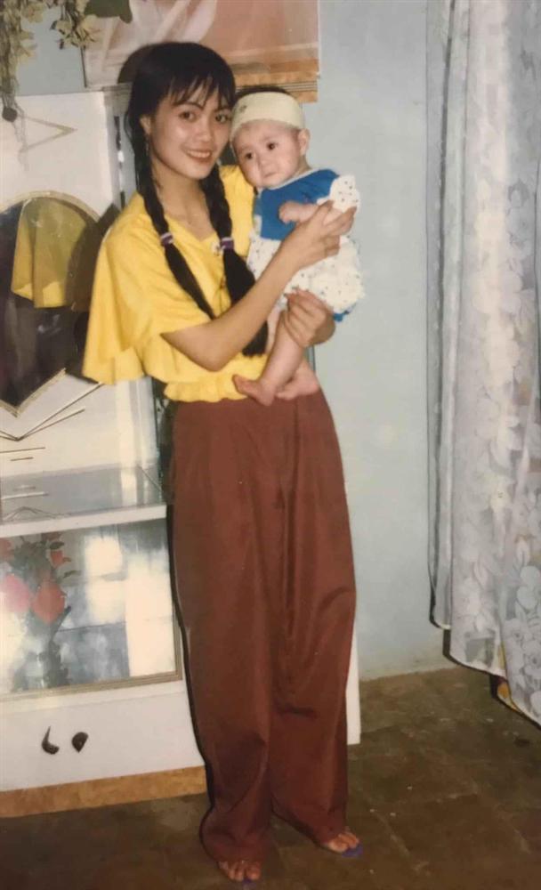 Khoe ảnh cực phẩm bố mẹ thời trẻ, cô gái Lạng Sơn làm bao chàng đổ gục vì quá xinh-4