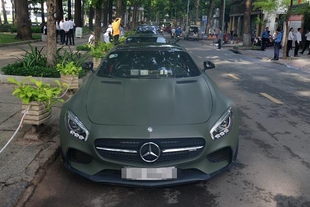Tiền nhiều để làm gì? Để ông Đặng Lê Nguyên Vũ mang siêu xe diễu hành náo loạn Sài Gòn-2