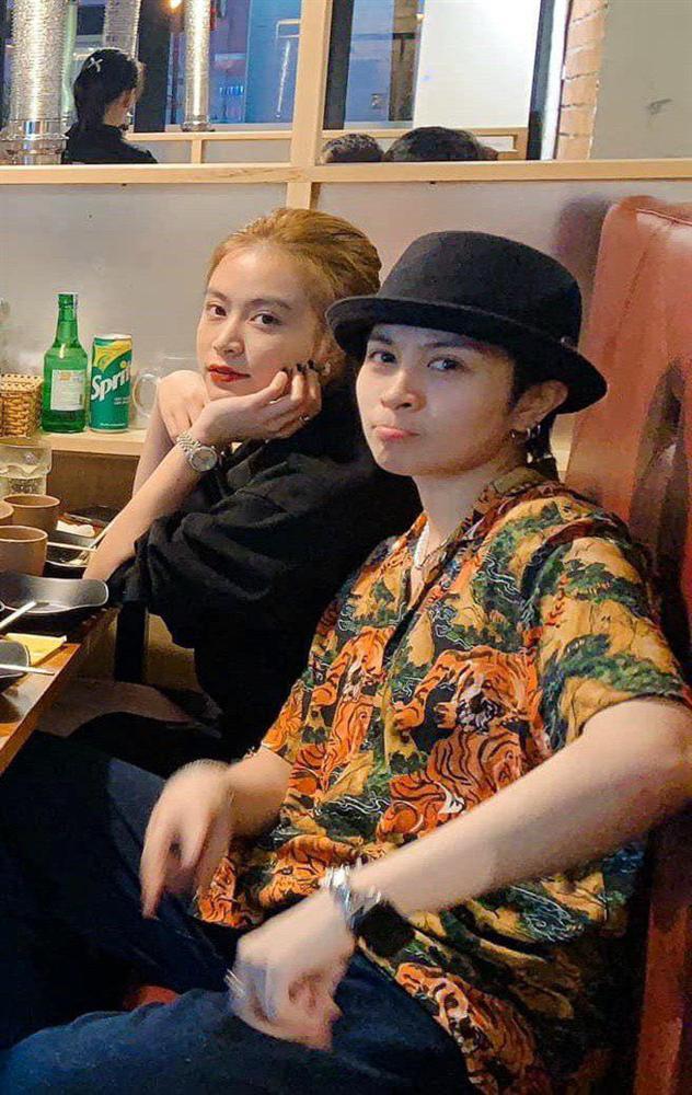 Hoàng Thùy Linh - Gil Lê thoải mái bên nhau không màng tin đồn yêu đồng tính-12