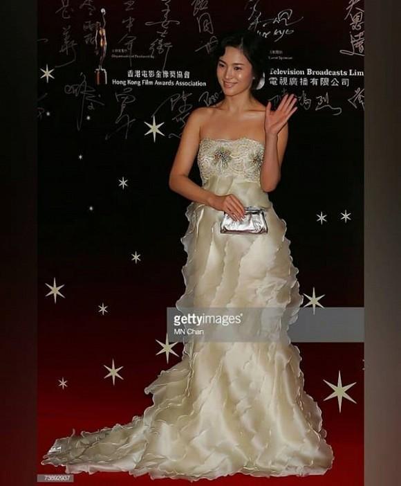 Song Hye Kyo bị đào mộ khoảnh khắc xấu tệ nhất trong sự nghiệp thảm đỏ-1