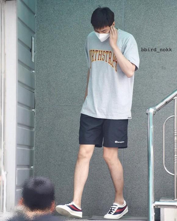 Đẳng cấp visual của Lee Min Ho, fans thốt: Anh quấn giẻ rách vẫn đẹp trai-7