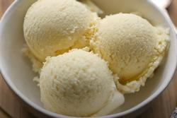 Công thức làm kem vani chuẩn vị cho ngày hè thanh mát