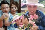 Đăng ảnh chồng trẻ hôn má, cô dâu Cao Bằng 63 tuổi không còn như xưa sau đại phẫu 'dao kéo'