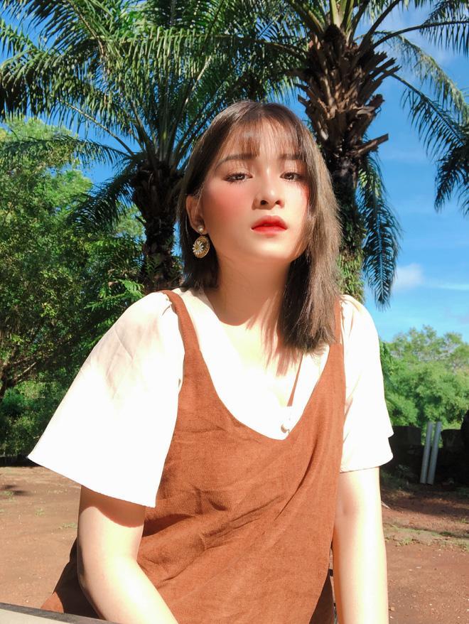 Mặc quần short ngắn cũn lên giảng đường, nữ sinh Sài Gòn gây tranh cãi kịch liệt-2
