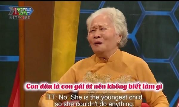 Mẹ chồng 82 tuổi vạn người thèm: Nuôi con dâu 4 tháng, giặt tã cho cháu đỏ 10 ngón tay-2