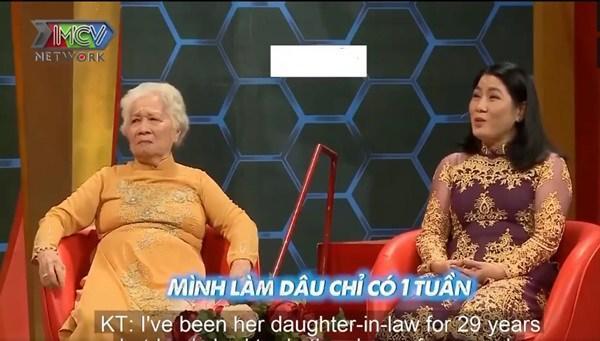 Mẹ chồng 82 tuổi vạn người thèm: Nuôi con dâu 4 tháng, giặt tã cho cháu đỏ 10 ngón tay-4