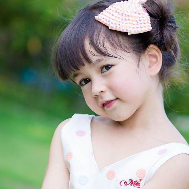 Bé gái được khen đẹp nhất Thái Lan 6 năm trước giờ ra sao-1