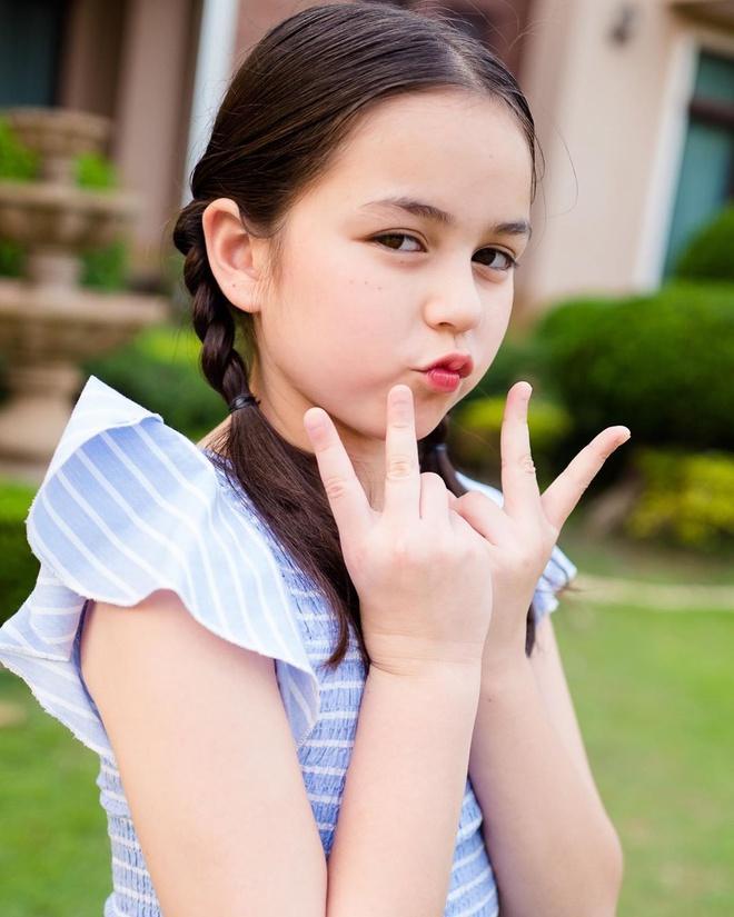 Bé gái được khen đẹp nhất Thái Lan 6 năm trước giờ ra sao-5