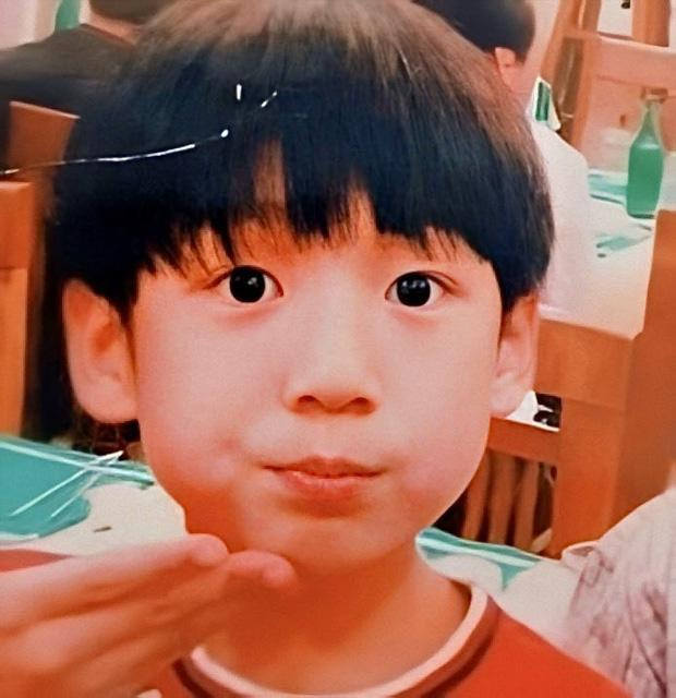 Ảnh đẹp từ trứng của Jungkook BTS chứng minh mỹ nam sinh ra phải làm người nổi tiếng-4