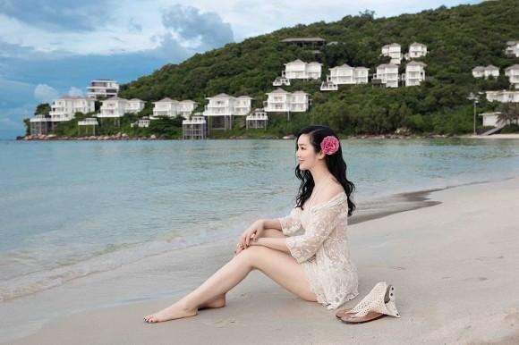 Body nuột nà của Hoa hậu Đền Hùng Giáng My khi diện bikini ở tuổi 49-1