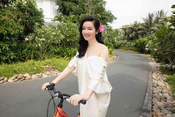 Body nuột nà của Hoa hậu Đền Hùng Giáng My khi diện bikini ở tuổi 49-11