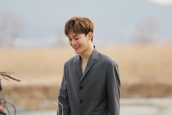Chen (EXO) lần đầu tái xuất sau 6 tháng ở ẩn: Knet đua nhau khen ngợi nhưng liệu có thật lòng?-4