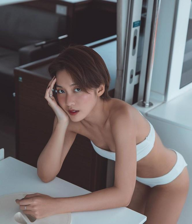 Từ khi cắt tóc ngắn, Khả Ngân liên tiếp khoe ảnh sexy đến lạ với bikini và nội y-3